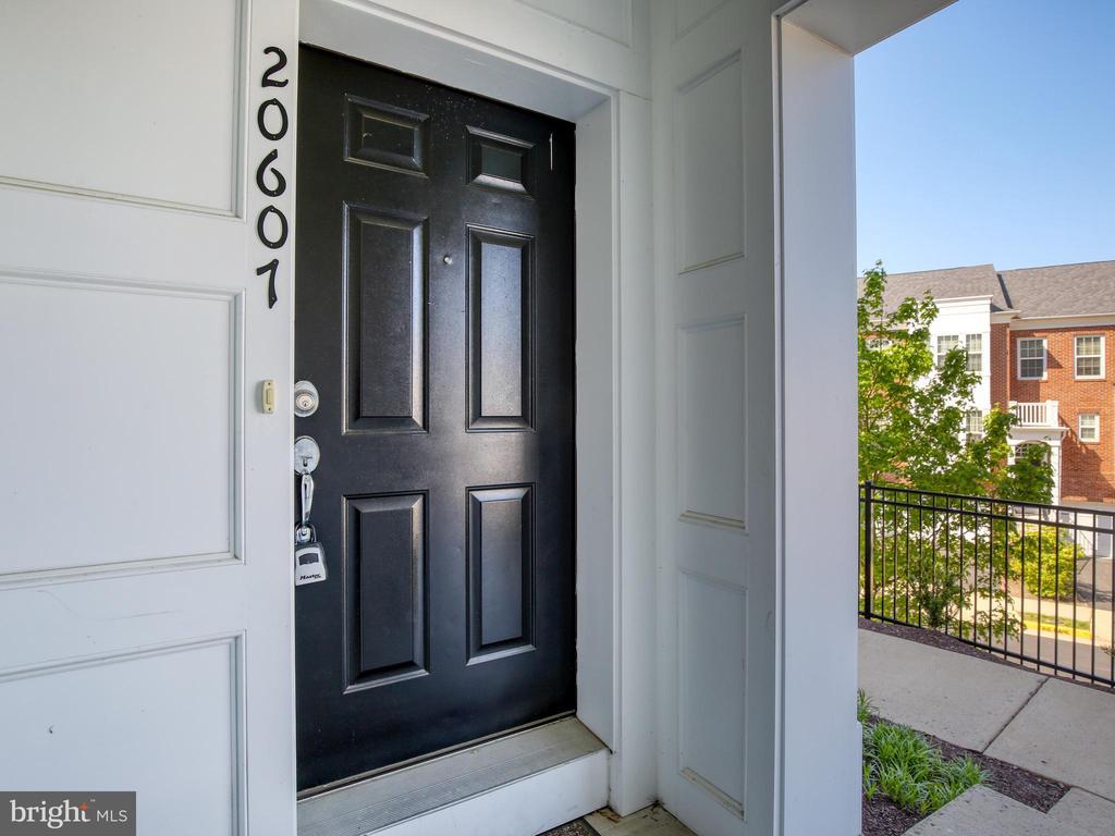 Welcome Home! - 20607 GEDDES TER W, ASHBURN