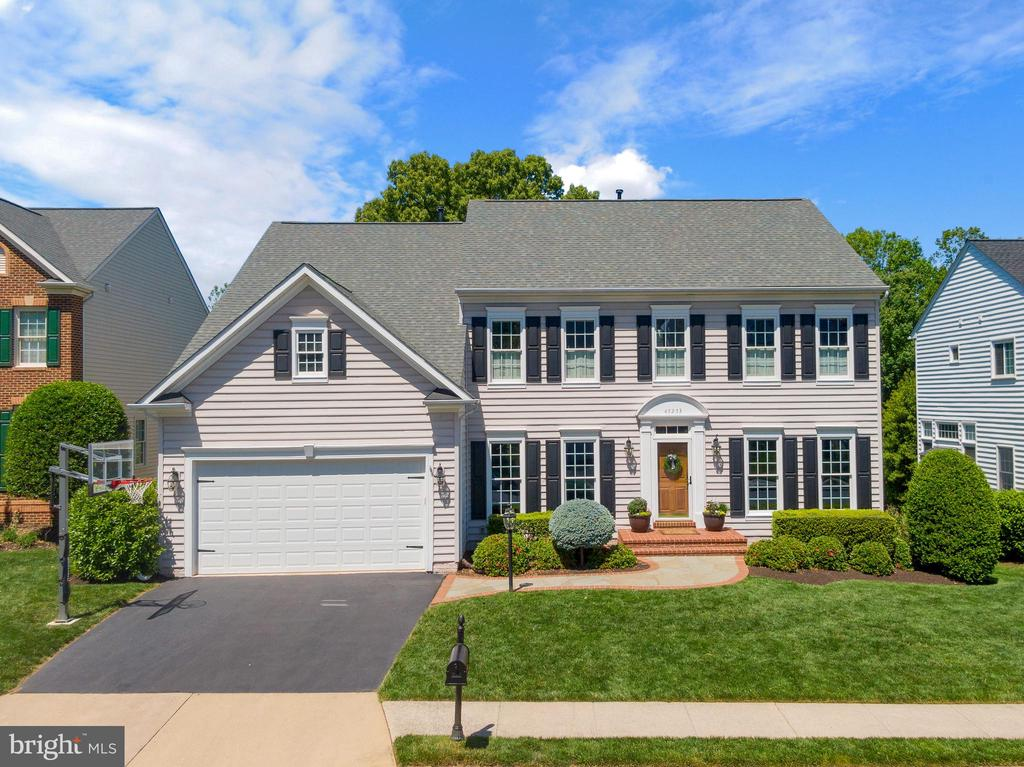 Welcome to Rivercrest   5BR/4.5BA Turnkey Gem - 47273 OX BOW CIR, STERLING