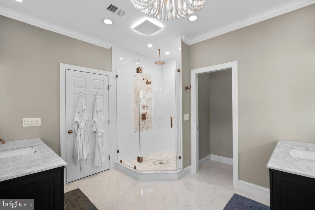 Carrara Marble Shower, Marble Vanities - 47273 OX BOW CIR, STERLING