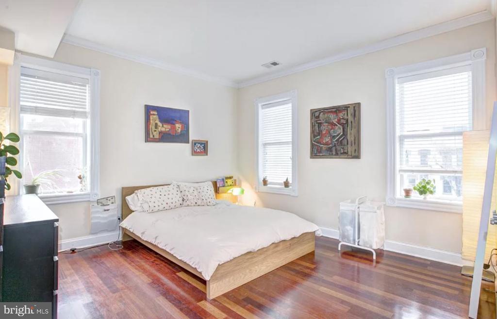 Unit 3 - Spacious Bedroom - 1700 13TH ST NW, WASHINGTON