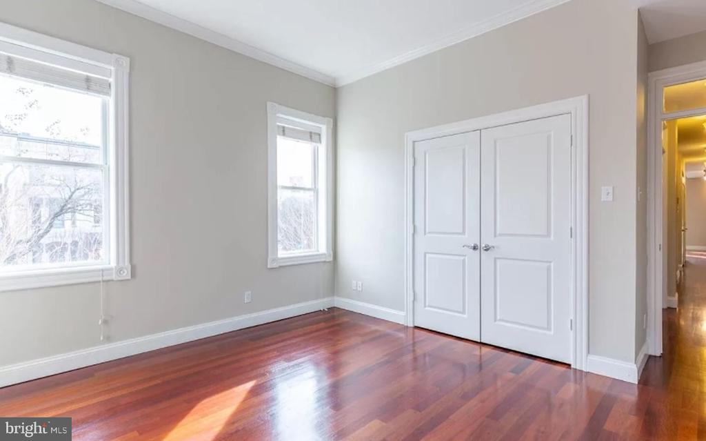 Filled with Natural Sunlight - 1700 13TH ST NW, WASHINGTON