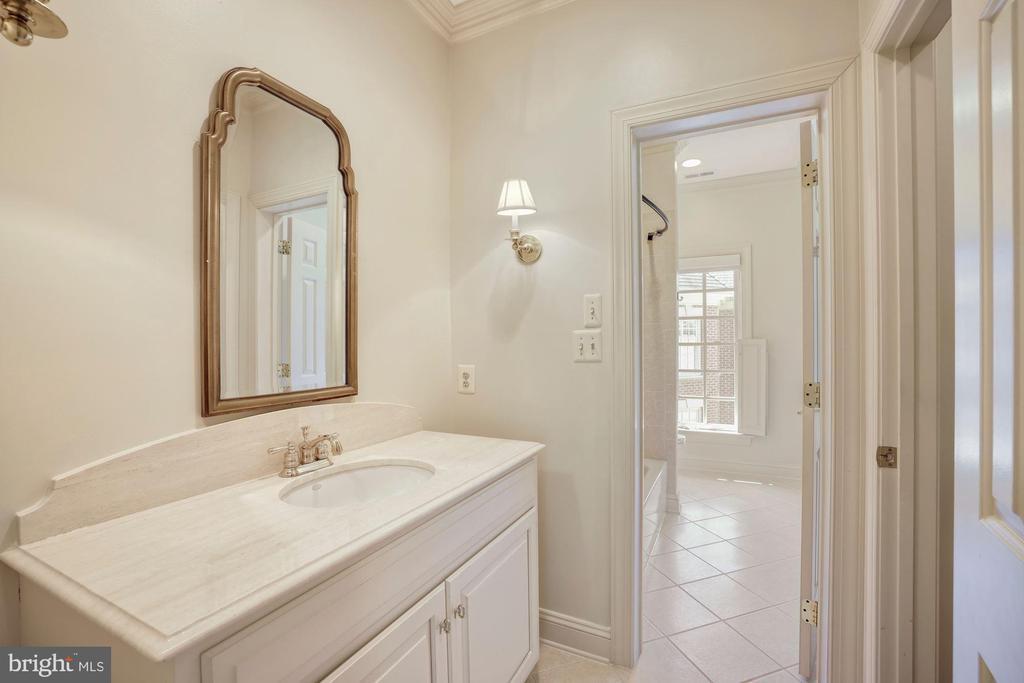 Second Full Bathroom - 3823 N RANDOLPH CT, ARLINGTON