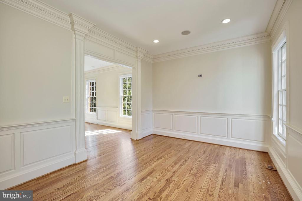 Formal Living Room - 3823 N RANDOLPH CT, ARLINGTON