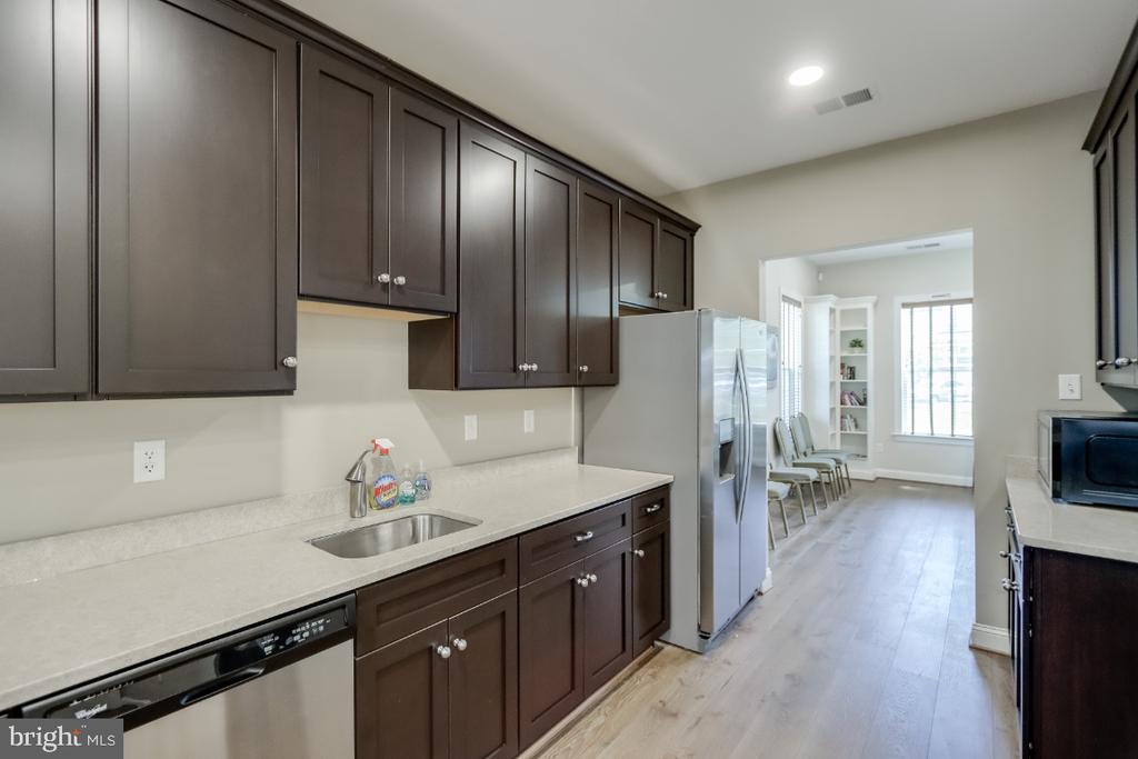Clubhouse kitchen - 9754 KNOWLEDGE DR, LAUREL