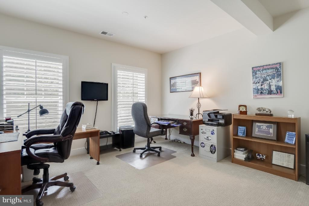 Bedroom 4 or use your way, a home office - 9754 KNOWLEDGE DR, LAUREL