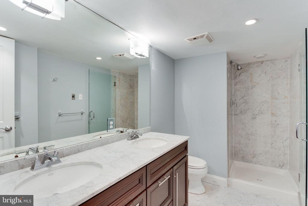And an En-Suite Bath with Dual Vanity - 1700 13TH ST NW, WASHINGTON