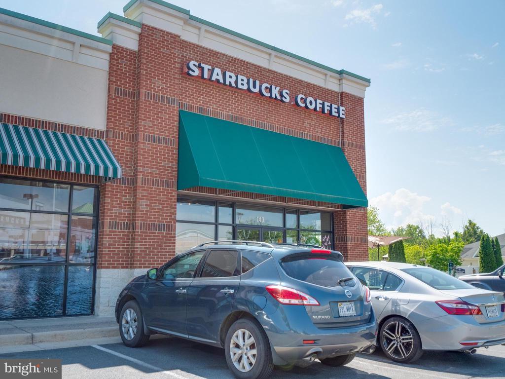 Short walking distance to Starbucks - 25300 LAKE MIST SQ #205, CHANTILLY