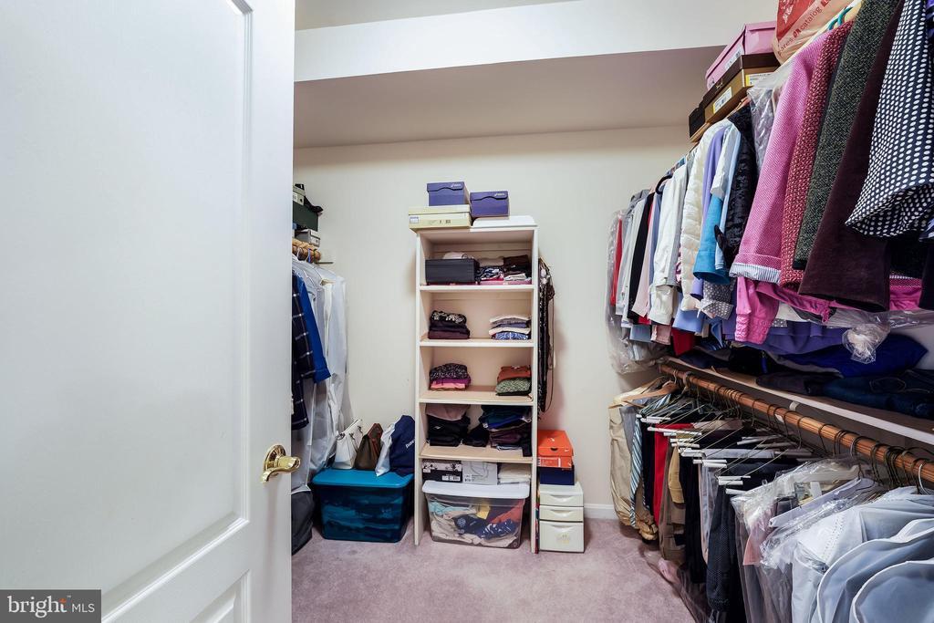 Walk-in closet 2 - 3680 WAPLES CREST CT, OAKTON