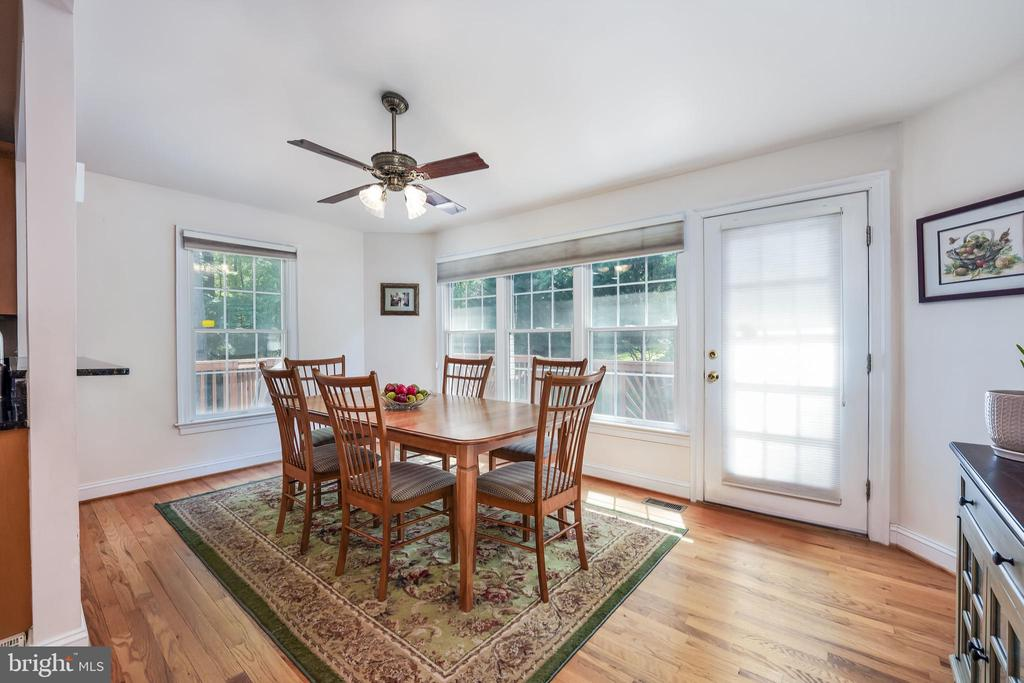 Breakfast served in the morning room - 3680 WAPLES CREST CT, OAKTON