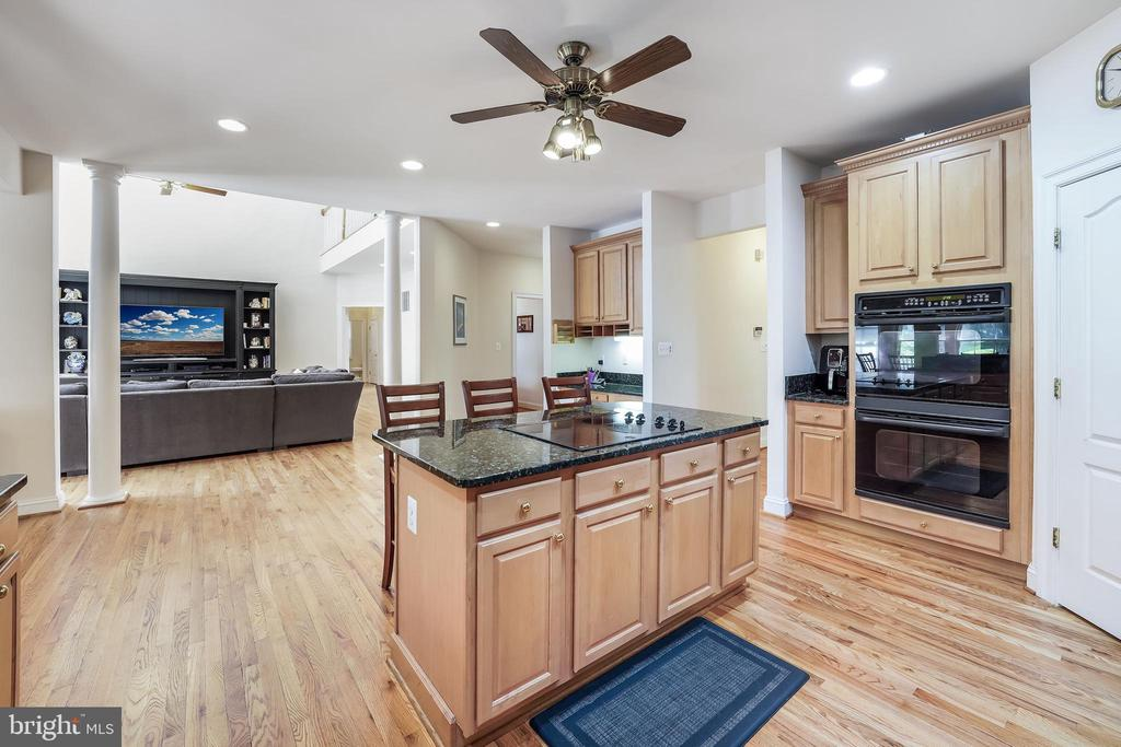 Keep an eye on the news while fixing dinner - 3680 WAPLES CREST CT, OAKTON