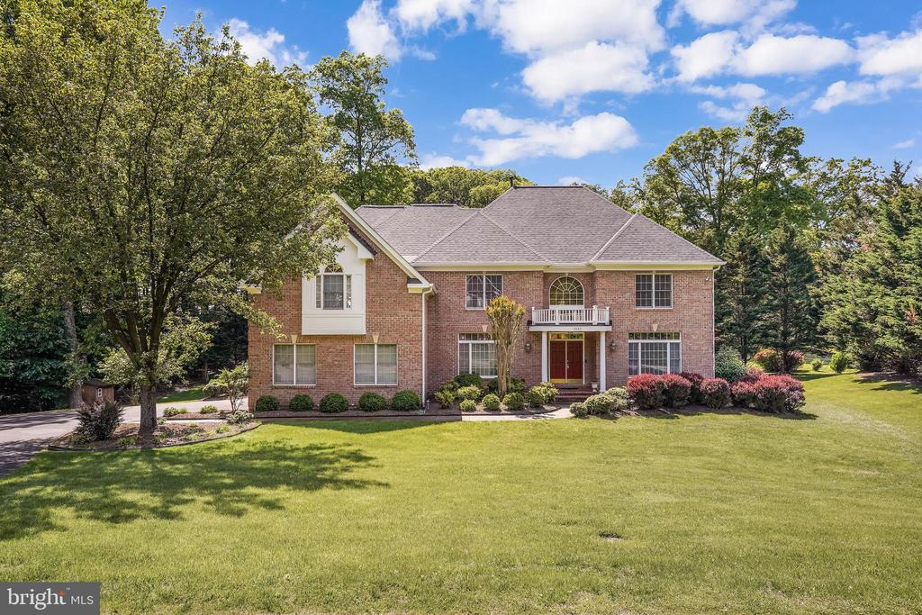 Stately and sophisticated - 3680 WAPLES CREST CT, OAKTON