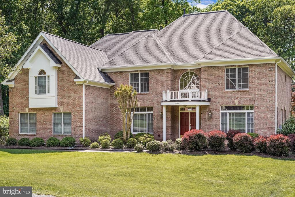 Stately and spacious - 3680 WAPLES CREST CT, OAKTON