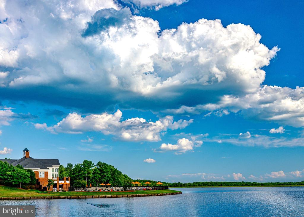 Community Clubhouse and Pool Overlook Fawn Lake - 11500 TURNING LEAF CT, SPOTSYLVANIA