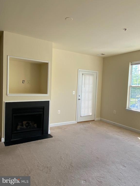 Cozy fireplace - 22664 BLUE ELDER TER #202, BRAMBLETON