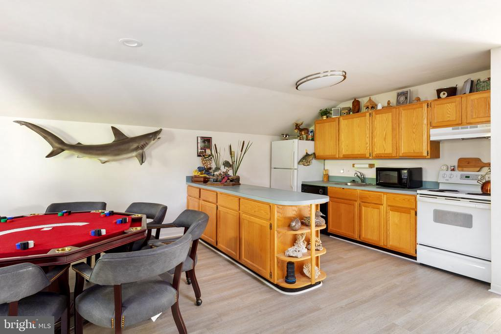 Kitchen - 8121 RONDELAY LN, FAIRFAX STATION