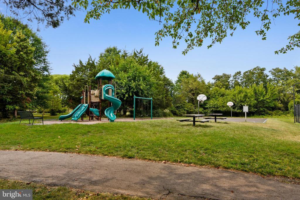 Playgrounds & Trails throughout Broadlands - 21657 FRAME SQ, BROADLANDS