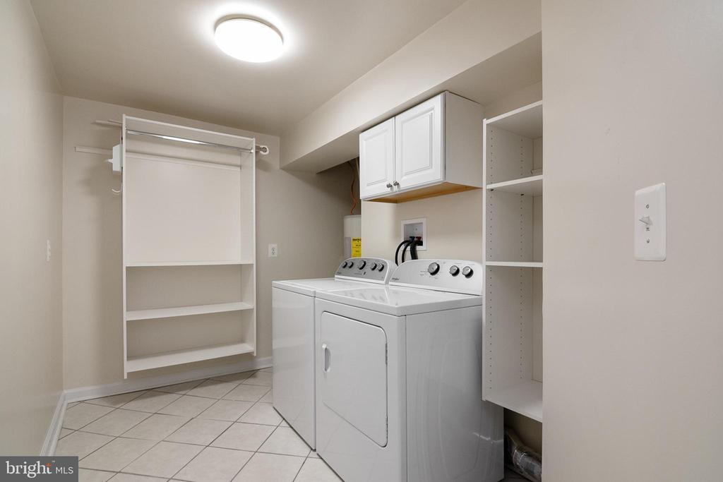 Lower Level Laundry Room - 19220 LIBERTY MILL RD, GERMANTOWN
