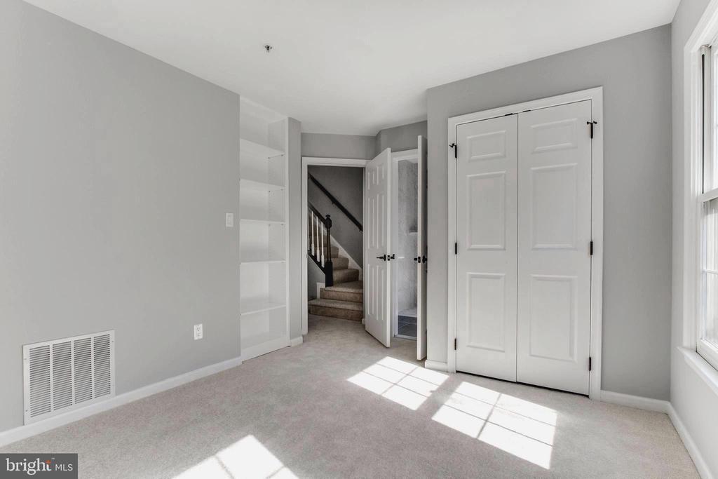 With closet - 1328 N ADAMS CT, ARLINGTON