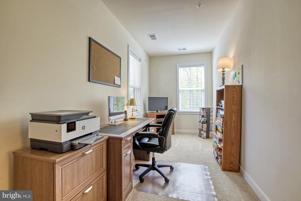 Second Bedroom has Nook  for Home Office - 43095 WYNRIDGE DR #203, BROADLANDS