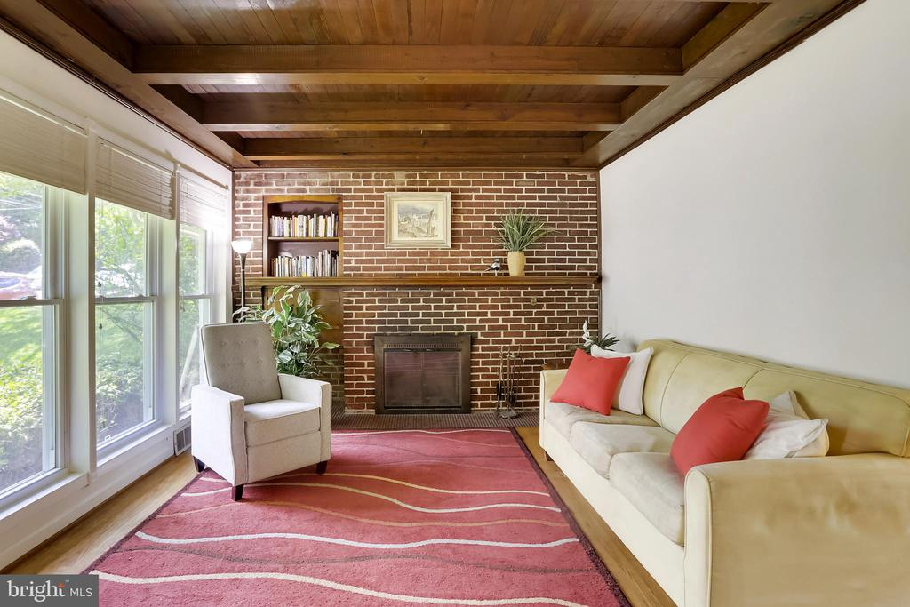 Living Room with full walled brick fireplace - 2415 EVANS DR, SILVER SPRING
