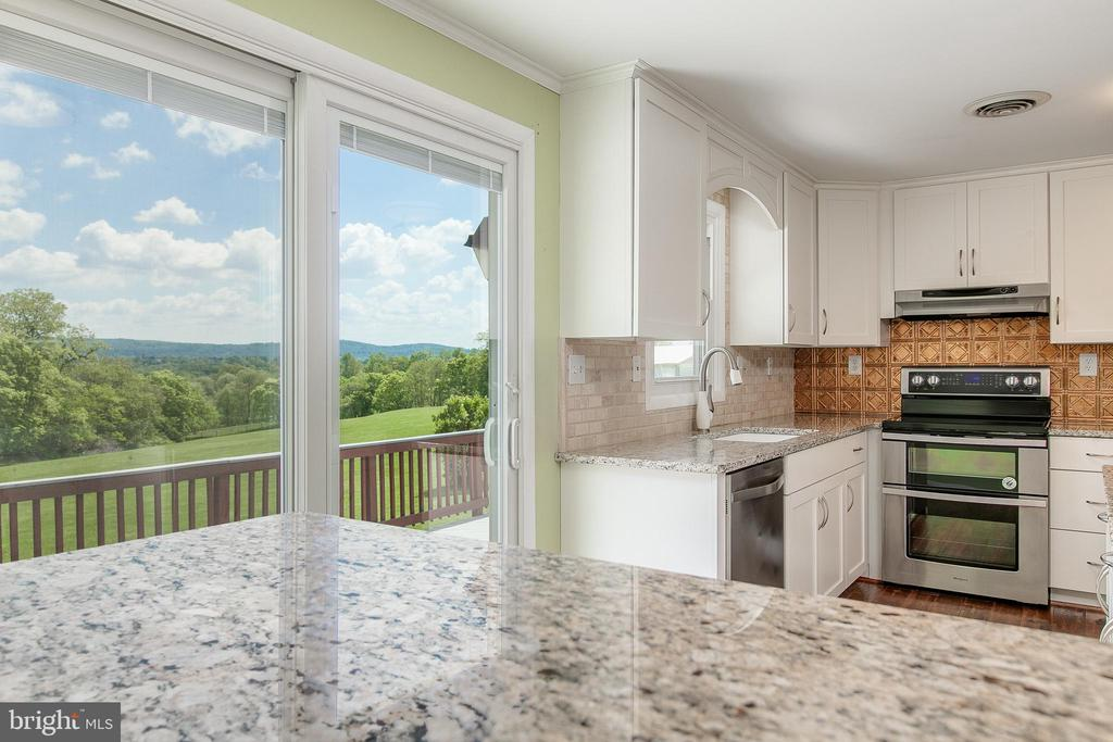 Kitchen Pic 2 - 7517 PICNIC WOODS RD, MIDDLETOWN