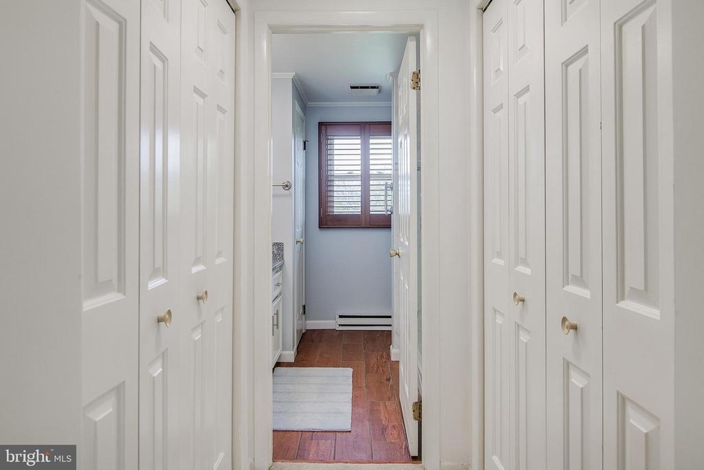 Two closets - 7517 PICNIC WOODS RD, MIDDLETOWN