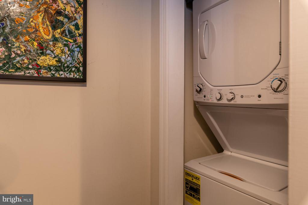 Unit A Washer/Dryer - 1007 QUEEN ST, ALEXANDRIA