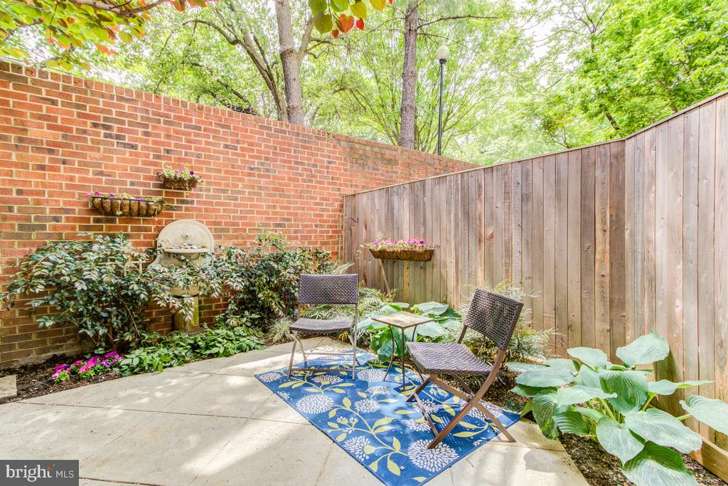 Private patio with brick details - 4345 MASSACHUSETTS AVE NW #4345, WASHINGTON
