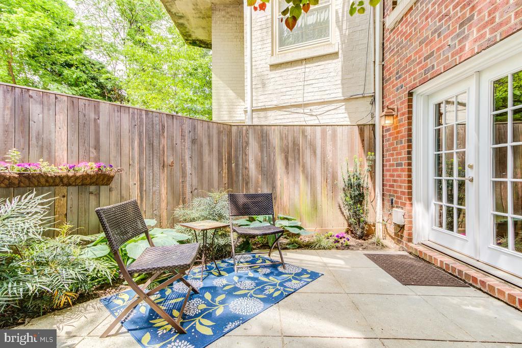 Private patio - french doors - 4345 MASSACHUSETTS AVE NW #4345, WASHINGTON