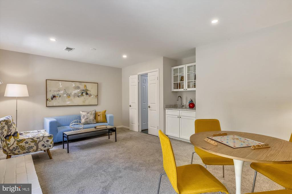 Entry Level - Rec Room with Wet Bar & Fireplace - 1186 N VERMONT ST, ARLINGTON