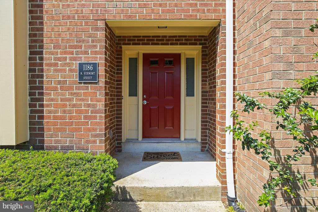 Covered Front Entry - 1186 N VERMONT ST, ARLINGTON