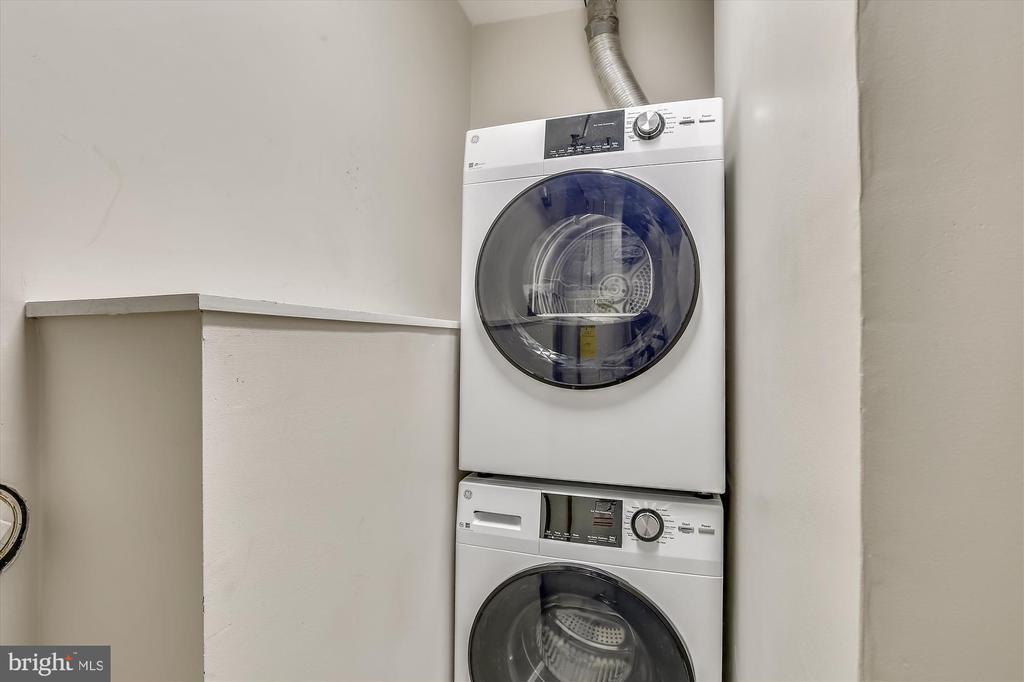 Washer & Dryer - 1186 N VERMONT ST, ARLINGTON