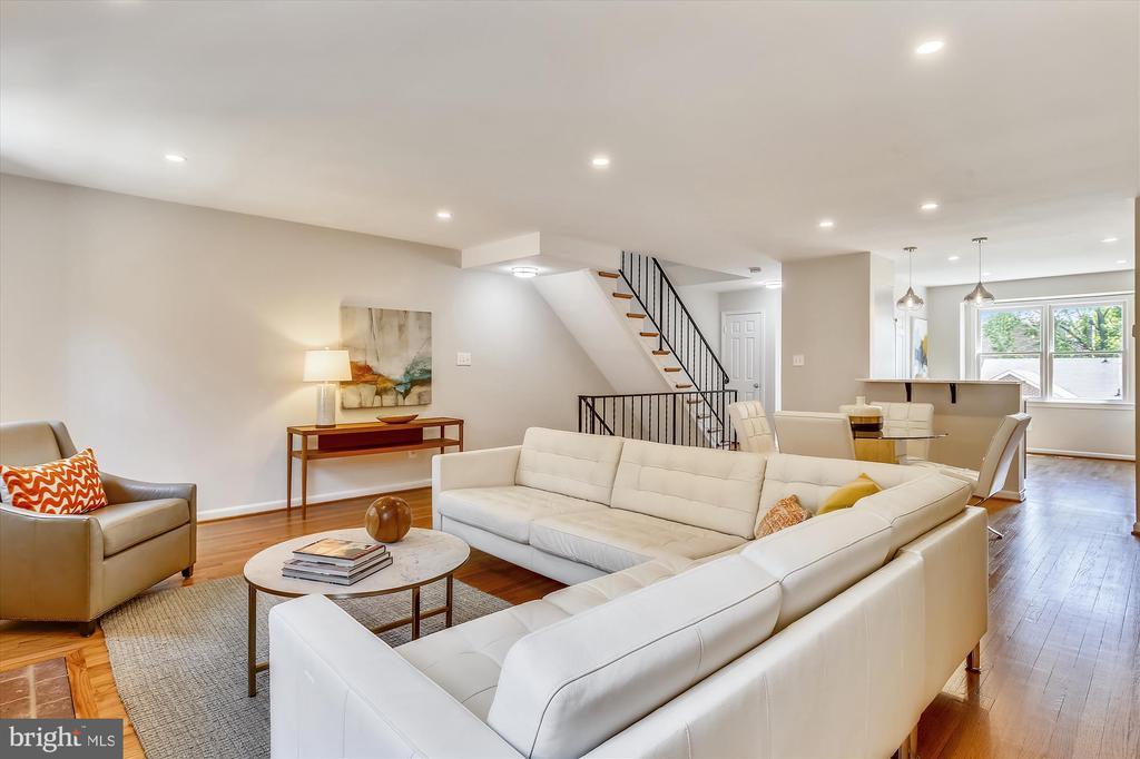 Open Floor Plan - Living Rm, Dining Rm & Kitchen - 1186 N VERMONT ST, ARLINGTON