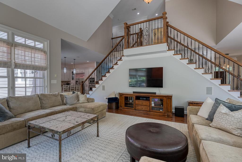 Unique staircase feature. - 42091 NOLEN CT, LEESBURG