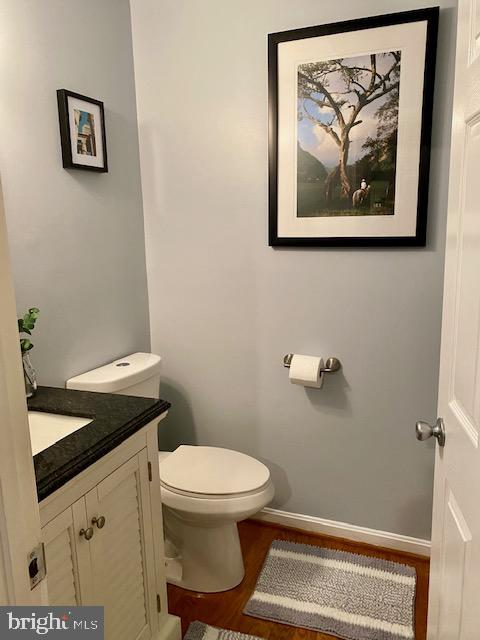 Main level half bath - 500 ROSEMARY LN, PURCELLVILLE