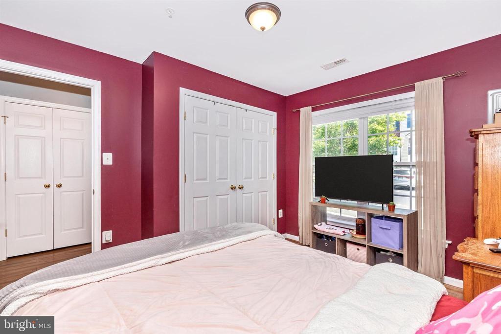 4TH BEDROOM LOWER LEVEL - 106 GREEN FERN CIR, BOONSBORO