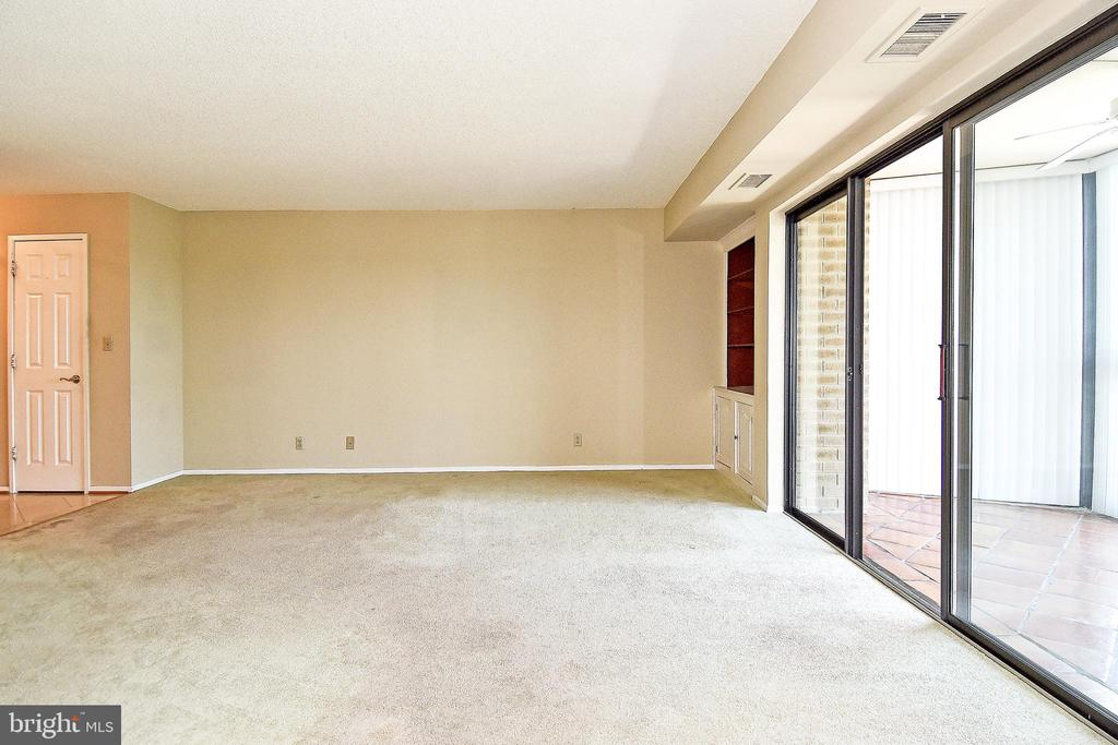 How would YOU furnish this space? - 900 N STAFFORD ST #2531, ARLINGTON