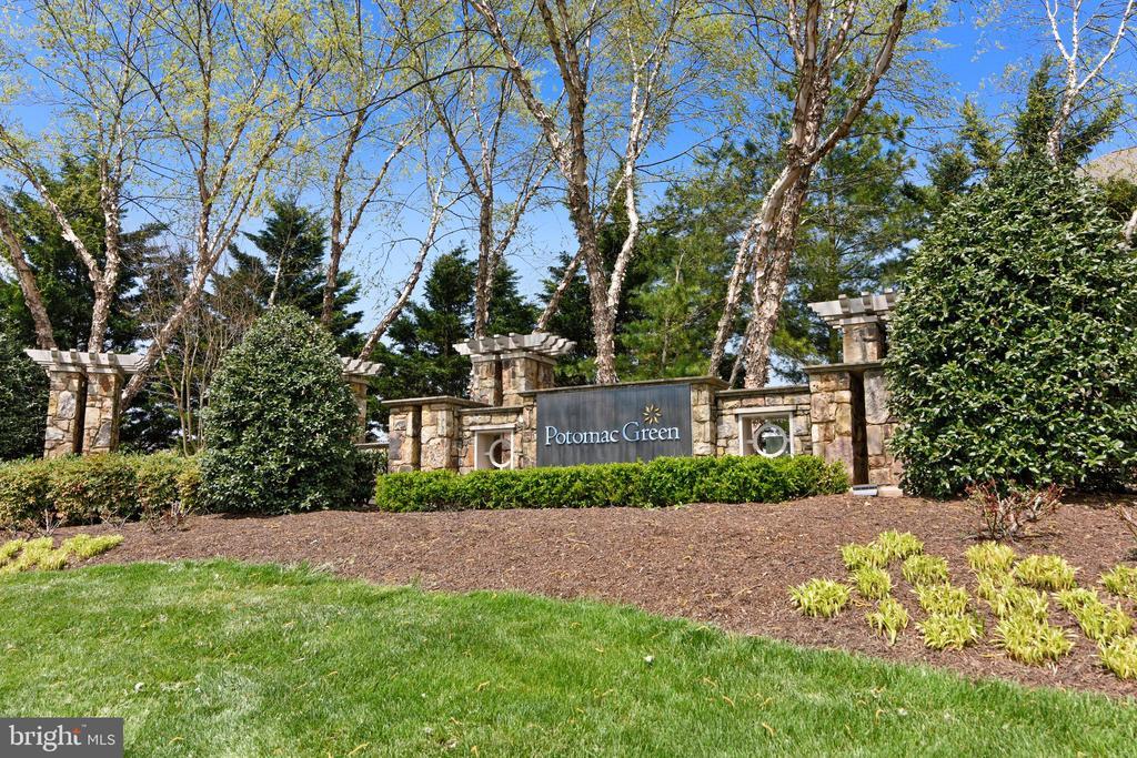 Potomac Green Sign - 44484 MALTESE FALCON SQ, ASHBURN