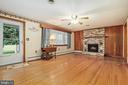 Lots of natural light in family room - 13709 STRAFFORD DR, THURMONT