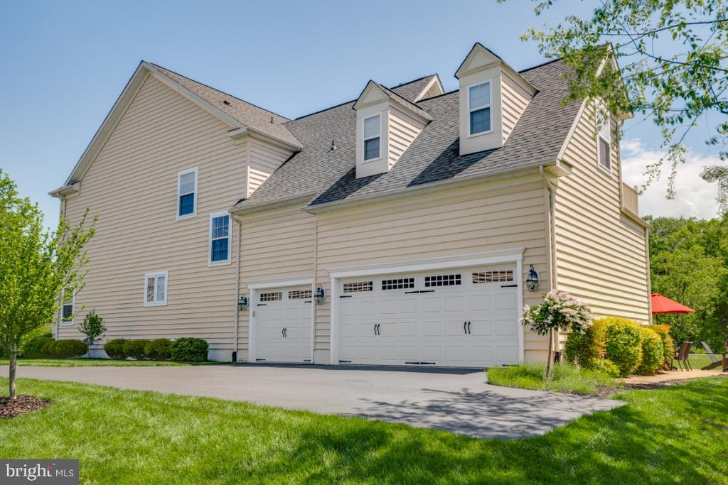 Can't Forget about the 3 Car Side Load Garage - 42063 MIDDLEHAM CT, ASHBURN