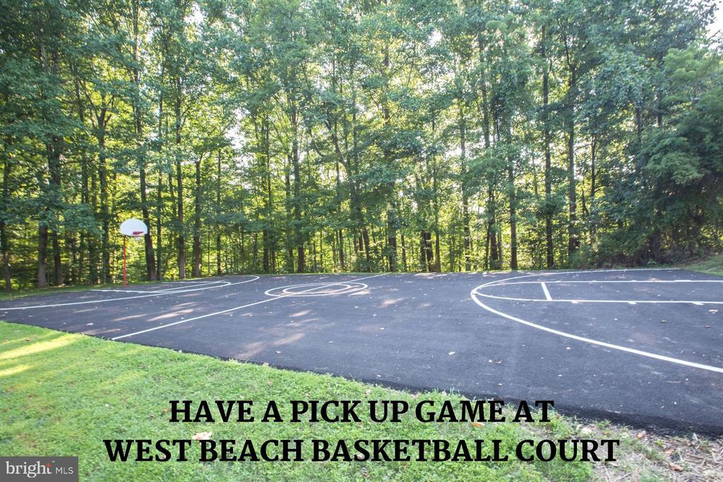 West Beach Basketball - 4290 CANDLESTICK CT, DUMFRIES