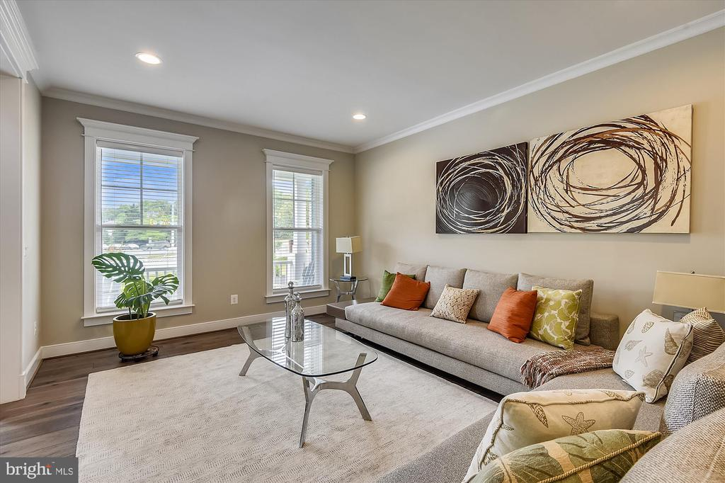 Looking at front windows from living room - 3122 BARKLEY DR, FAIRFAX