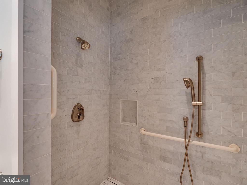 Marble Spa shower - 4651 35TH ST N, ARLINGTON