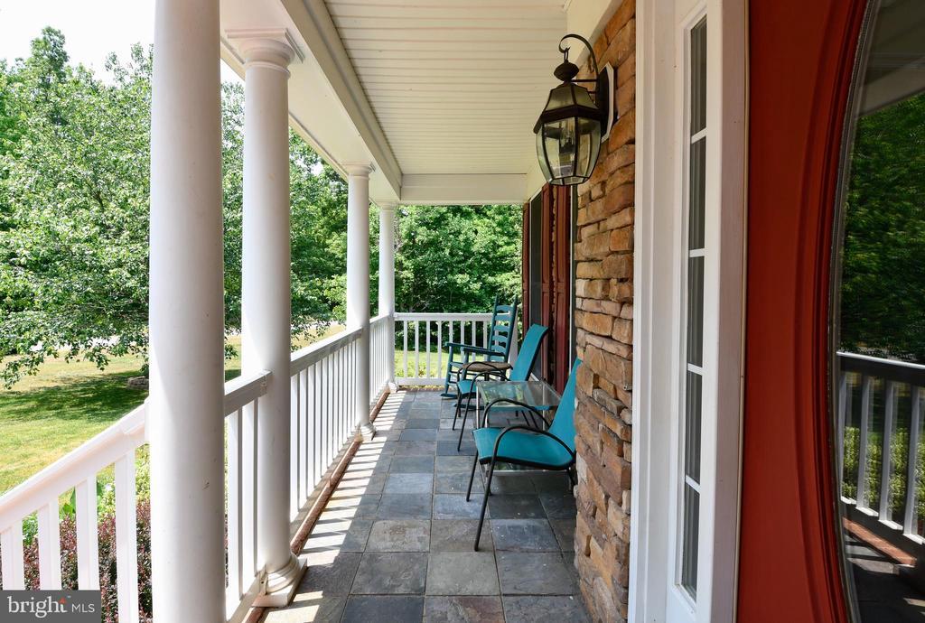 Front porch - 4 AVOCET WAY, FREDERICKSBURG