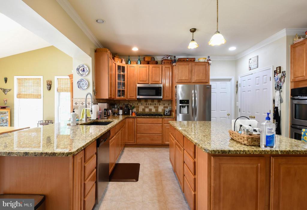 Kitchen w/granite counters - 4 AVOCET WAY, FREDERICKSBURG