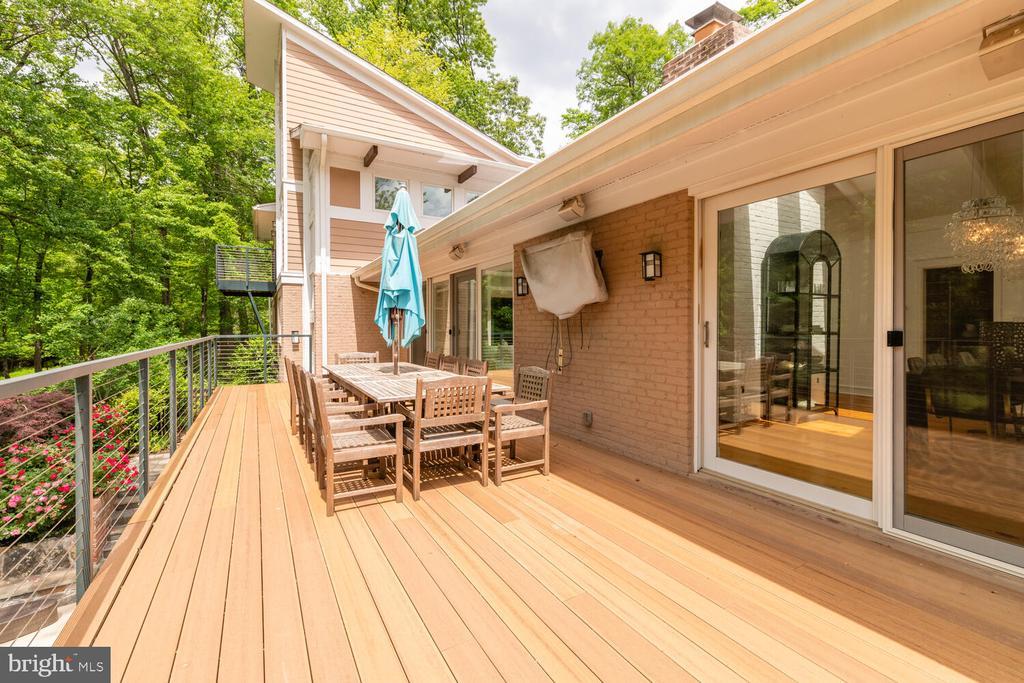 Deck off the great room - 5075 POLK AVE, ALEXANDRIA
