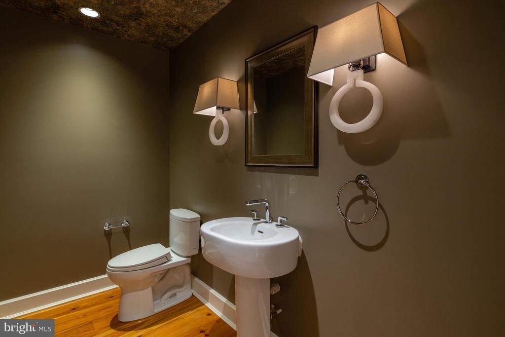 Main level half bath - 5075 POLK AVE, ALEXANDRIA