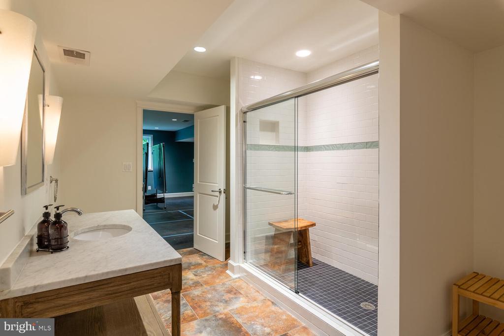 Spa/bathroom off pool - 5075 POLK AVE, ALEXANDRIA