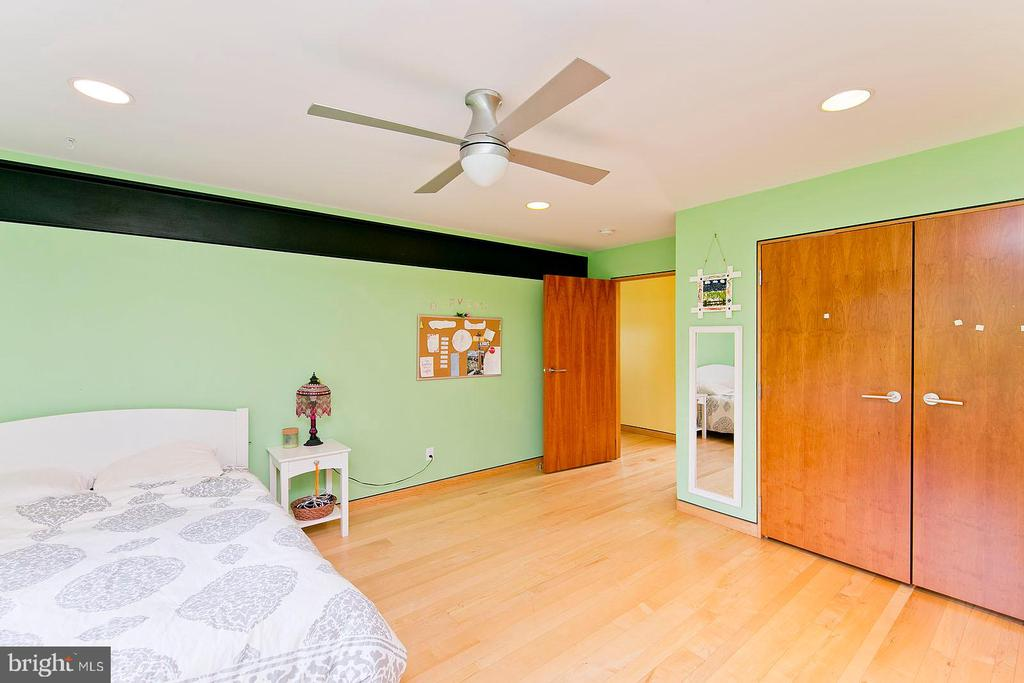 Bedroom 2 - 246 SONGBIRD LN, WINCHESTER