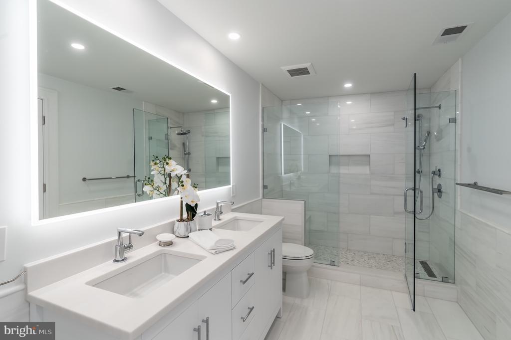 Primary Bath - 3015 WHITEHAVEN ST NW, WASHINGTON